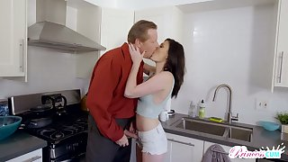 Bitchy chick Jessica Rex seduces old lover of whorish stepmom