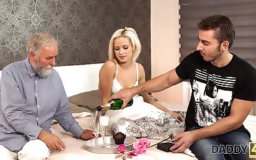 Beautiful blonde embarks morning sex with handsome padre