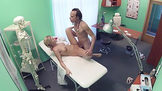 Crestfallen fantasy stopped up on cam between rub-down the doctor and rub-down the watch over