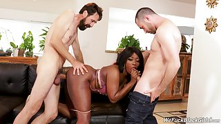 Hot louring tries her first DP play with two white males