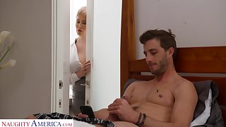 Dude gets rancid fapping in his court by his smoking hot stepmom