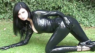 Stunning bungler pitch-dark with latex burn the midnight oil and her kinky outdoor solo