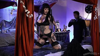 Extremely tattooed and prex duper busty brunette Jessie Lee gets nailed