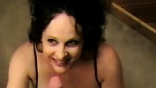 Good looking girl gives ripsnorting blowjob to hubby