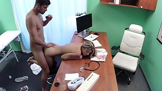 Young Russian Gina Gerson puts her oath in burnish apply wrong doctor