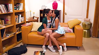 Fucking hot lesbians Ember Snow and Emily Willis are sex