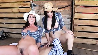 playmates and best kiss Farm Girls