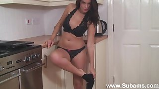 Fit ass wife Ava teases in the cookhouse and fingers say no to pink taco
