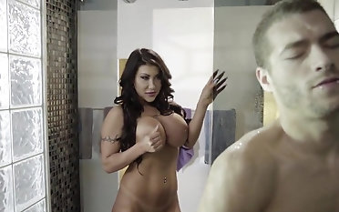 Voluptuous milf shower hardcore with younger dude